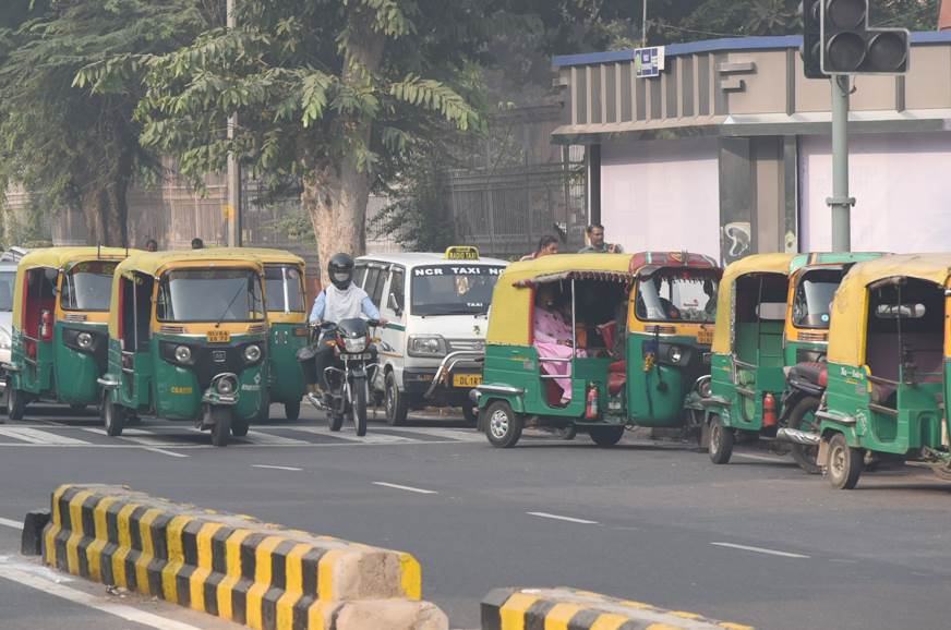 QR code mandatory for Delhi autos and cabs