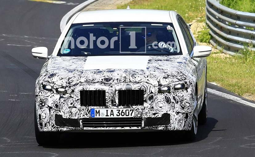 The facelift of the BMW 7 series has been spied in India with the expected launch next year