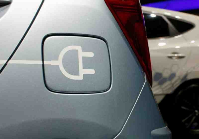 EESL To Invest Over 10,000 Crore Produce 1 Lakh Electric Vehicles