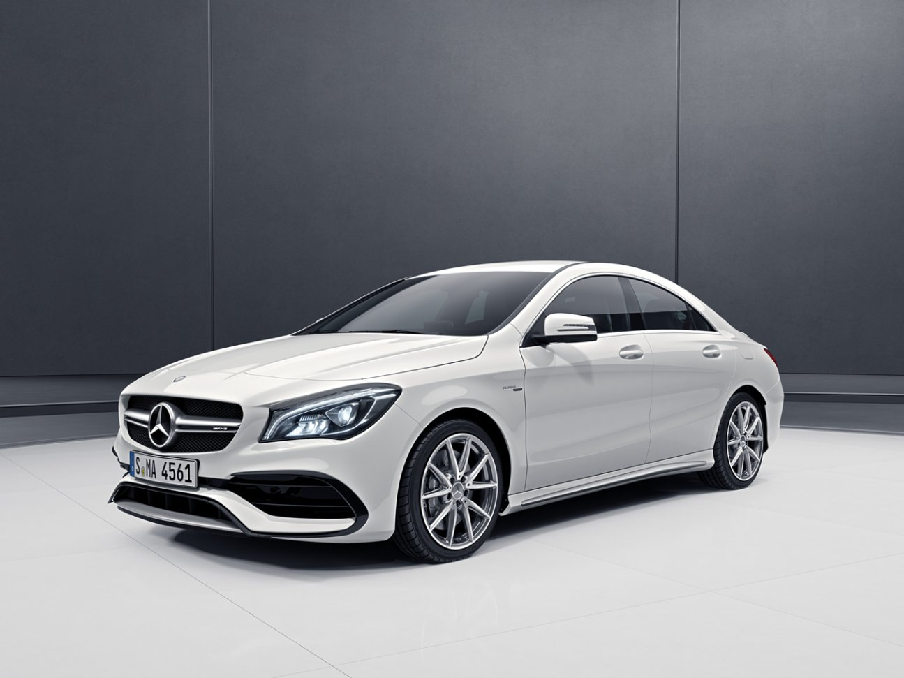Ibb blog mercedes benz launches cla 45 4matic and gla 45 for Mercedes benz cla 45 price